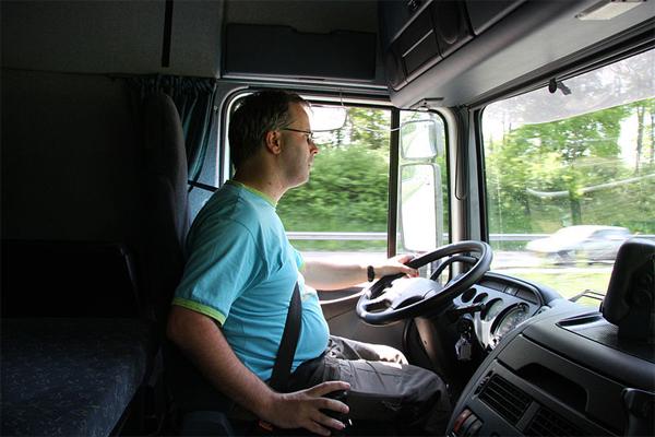Truck-Driver-Compensation