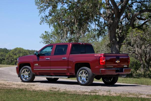 2014-Chevrolet-Silverado-High-Country
