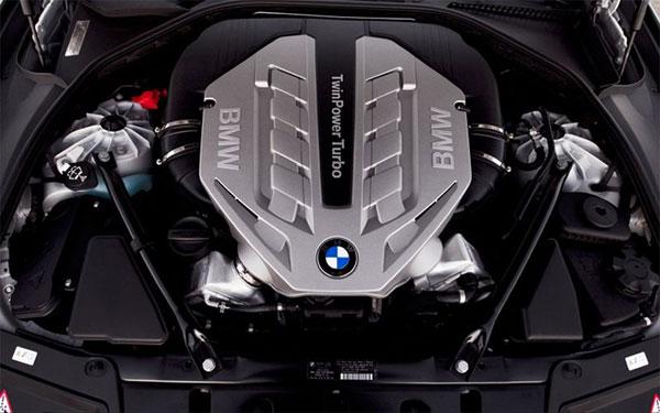 2013BMW 5 Series engine