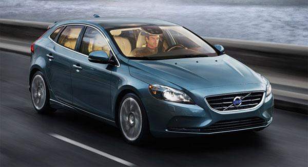 New Volvo V40 D4