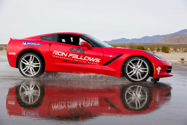 The Driving Experience of the latest Corvette Stingray