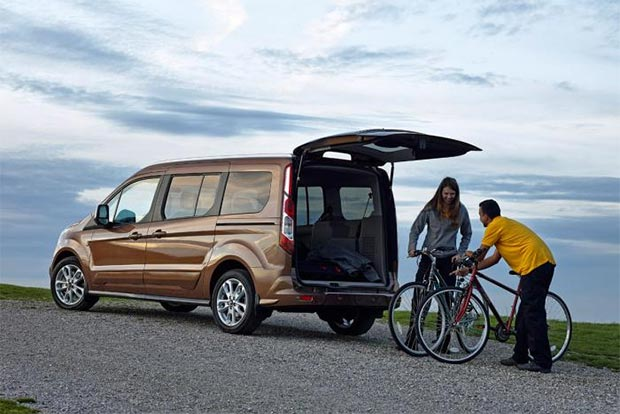 what 39 s so great about the latest ford tourneo connect cars flow. Black Bedroom Furniture Sets. Home Design Ideas