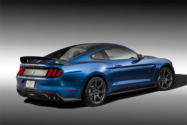 pricing of the ford mustang shelby gt350 and the gt350r revealed