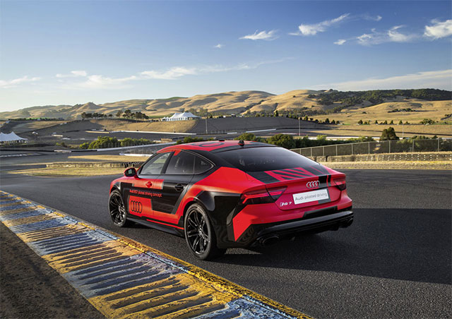 Audi-RS-7-piloted-driving-concept-car