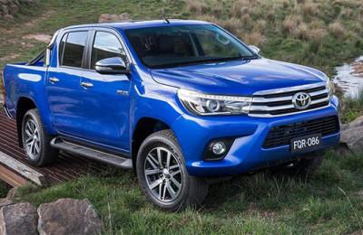 2016-Toyota-Hilux-truck
