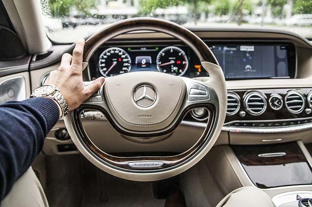Luxury-Vehicle