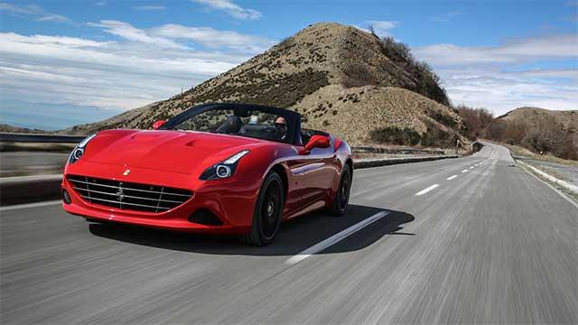 2016-Ferrari-California-T-HS