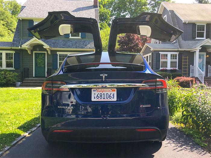 Tesla Model X SUV P100D