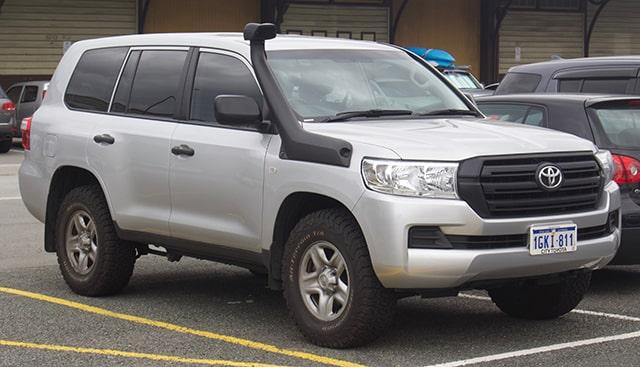 Toyota Land Cruiser Best luxury Off-road SUV